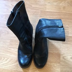 Korks Ease pebbles leather boot